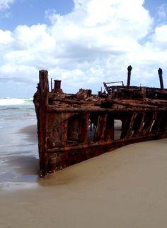 Fraser Island ist die grösste Sandinsel der Welt. Das SS Maheno Shipwreck ist faszinierend und eindrücklich. Airlie Beach, Great Barrier Reef, Brisbane, Fraser Island, Surfer, Travel Pictures, Humpback Whale, White Sand Beach, Australia