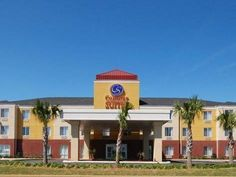 Foley (AL) Comfort Suites Foley North Gulf Shores Foley United States, North America Comfort Suites Foley North Gulf Shores Foley is perfectly located for both business and leisure guests in Foley (AL). Featuring a complete list of amenities, guests will find their stay at the property a comfortable one. Service-minded staff will welcome and guide you at the Comfort Suites Foley North Gulf Shores Foley. Non smoking rooms, air conditioning, heating, wake-up service, desk can be...