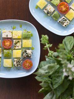 Cubed Salad: Basil-hempseed Tofu, Avocado and Yellow Watermelon. Tofu hampunsiemen-basilikamarinadissa - Cocovi - Cocovi