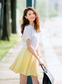【着まわしday1】ニット×イエローフレアースカート | ファッション コーディネート | with online on ウーマンエキサイト