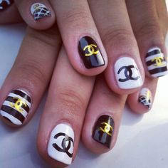 14 manicure ideas for nails Bling Nails, Fancy Nails, Pretty Nails, Sexy Nails, Hot Nails, Hair And Nails, Nail Art Chanel, Chanel Nails Design, Nail Designs Spring