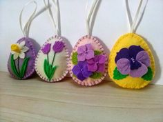 DELIVERY AFTER CHRISTMAS Felt Easter decoration - felt egg with flowers, tulip, daffodil, pansy, violet flowers, Easter ornaments, set of 4