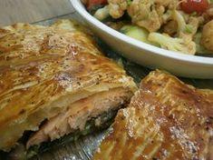 Receitas práticas de culinária: Folhado de Salmão com Espinafres e Cogumelos acompanhado de misto de Legumes