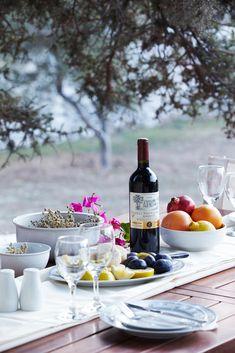 Mediterranean Living| Serafini Amelia|  Romantic Lifestyle-Al Fresco Dining in Naxos, Greece