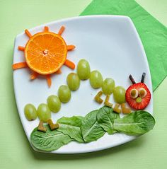 "Cute Snack Idea: The Very Hungry Caterpillar Adorable! It looks yummy for the big kids at heart, too… ""A very healthy Very Hungry Caterpillar fruit plate for kiddos! Would make a cute app or snack for the little ones. Cute Snacks, Fruit Snacks, Cute Food, Healthy Snacks, Good Food, Funny Food, Snacks Kids, Fun Fruit, Kids Fruit"