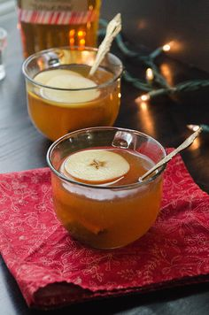 Apple & Cinnamon Bourbon Hot Toddy // solethangout.com #hottoddy #apple #cinnamon #holiday #drinks #bourbon