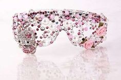 Hello Kitty bedazzled glasses <3