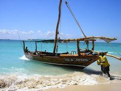 Zanzibar, Safari Blue. Citeste mai mult: http://www.imperatortravel.ro/2012/10/wazungu-degeaba-ai-venit-in-zanzibar-daca-nu-faci-un-safari-blue.html