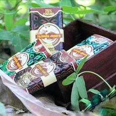 Além de deliciosos chocolates, oferecemos também lindas caixas de madeiras de varios tamanhos, para você poder presentear quem você ama.😋💗😉 #chocolates #feitocomamor