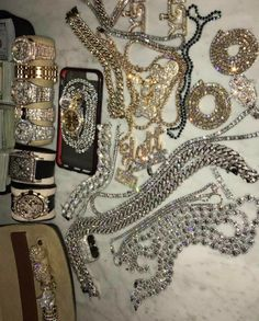 Visit the website on the pin for your fast western union Flip, Western Union Transfer, western union Hack Software Money Flip. Rich Lifestyle, Luxury Lifestyle, Cute Jewelry, Jewelry Accessories, Bijoux Design, Accesorios Casual, Luxe Life, Grillz, Expensive Jewelry