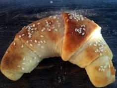 Have a picnic with ham and cheese horns (crescent rolls) Hungarian Recipes, Hungarian Food, Homemade Crescent Rolls, Good Food, Yummy Food, Ham And Cheese, Doughnut, Favorite Recipes, Snacks