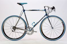 Speedbicycles - ROAD BIKES SINCE 1900 - virtual bicycle museum - price guide for road bicycles Road Bikes, Cycling Bikes, Vintage Bicycles, Vintage Inspired, Retro Bikes, Vintage Sport, Wheeling, Basel, Video