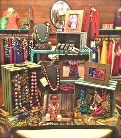 Art infused display, a lot going on but it really makes you want to look everything over. #jewelrydisplayideas
