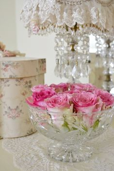: Pretty Pink Roses - cute idea with crystal bowl