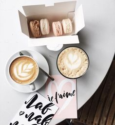 coffee and macaroons // flatlay ideas, macarons, flatlays, blogging, pretty pictures