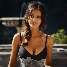 Shared by Maria. Find images and videos about girl, beauty and madalina ghenea on We Heart It - the app to get lost in what you love. Brunette Beauty, Hair Beauty, Gorgeous Women, Beautiful People, Girl Face, Pretty Face, Look Fashion, Pretty Woman, Sexy Poses