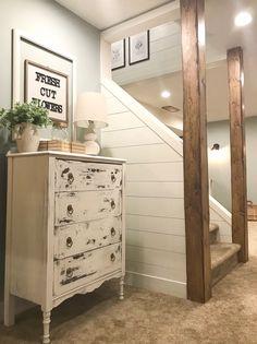 Basement Living Rooms, Basement House, Basement Stairs, Basement Bedrooms Ideas, Cool Basement Ideas, Old Basement, Basement Designs, Mud Rooms, Basement Makeover