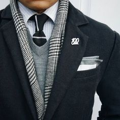 This is excellent pattern and color-mixing -- terrific stuff! #SuitUpDressUp