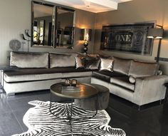 Enhance Your Senses With Luxury Home Decor Living Room Grey, Living Room Modern, Home And Living, Living Room Decor, Bedroom Decor, Home Room Design, Interior Design Living Room, Living Room Designs, Interior Decorating