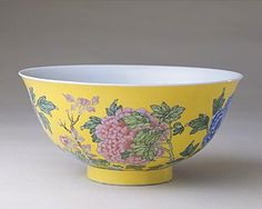 (Qing) Famille Rose. A Famille Rose porcelain Bowl. 黄地珐琅彩牡丹纹碗. The Palace Museum.
