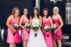 © La Cardinal Photographe #mariage #mariée #bridesmaids #fleurs #robe Bridesmaid Dresses, Wedding Dresses, Fashion, The Cardinals, Maid Of Honour, Flowers, Photography, Dress, Bridesmade Dresses