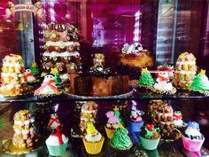 Pandoro farcito di semifreddo,panettone ripieno di gelato,stella di natale al cioccolato,cupcake e tanti altri dolcetti natalizi!