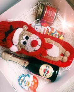 Новый год совсем близко Спешите купить всем любимым подарки! Состав: носки, шампанское, киндер, Дед Мороз и свеча для заказа пишите в Директ, на почту или по номеру 8-985-219-12-79 #новыйгод #новыйгод2018 #сладкийподарок #лучшийподарок #подарок #подарочныйнабор #подарочныенаборы #подарокдлянеё #подароклюбимой #подарокмаме #подарокнанг #подарокнановыйгод #горки10 #звенигород #одинцово #маме #девушке #любимой #барвиха #рублевка #красногорск #одинцовскийрайон #москва #дедмороз #киндерсю...