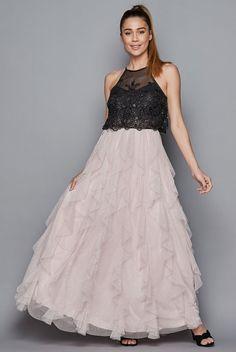 Cute Prom Dresses, Pretty Dresses, Formal Dresses, Ruffle Skirt, Dress Skirt, February Wedding, Trumpet Skirt, Embroidered Lace, Cloths