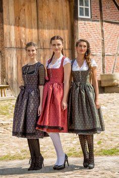 German Costume, Oktoberfest Outfit, Dirndl Dress, German Fashion, Look Fashion, Fashion Design, Europe Fashion, Halloween Disfraces, Folk Costume