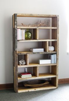 Wooden Pallet Furniture DIY Crates and Pallet Bookshelf More - Learn how to build a DIY rustic bookshelf with crates and reclaimed pallets with this tutorial and free building plans by Jen Woodhouse. Diy Bookshelf Plans, Rustic Bookshelf, Wood Bookshelves, Bookshelf Design, Crate Bookshelf, Book Shelves, Build A Bookshelf, Cheap Bookcase, Reclaimed Wood Bookcase