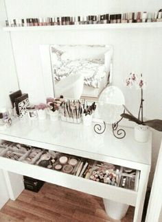 Make up | vanity | organisation organization | storage | desk | makeup | white | acrylic |