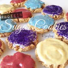 Protein powder cookies may be all the rage for being a much more waist-friendly treat. But these frosted whey protein cookies take it one step further. Protein Powder Cookies, Baking With Protein Powder, Protein Powder Recipes, Protein Recipes, Chocolate Chip Cookies, Sugar Cookies, Paleo Dessert, Dessert Recipes, Paleo Peach Cobbler