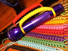 Etsy の Maglite Paracord Hand Grip by kraftsbydonna