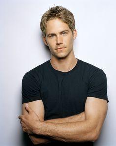 Paul William Walker IV es un actor estadounidense, nacido el 12 de septiembre, 1973.