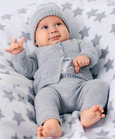 ru load dlja_detej_do_goda komplekt_dlja_malysha Granny Square Slippers, Crochet Granny Square Afghan, Baby Blanket Crochet, Knitting For Kids, Crochet For Kids, Baby Knitting, Crochet Baby Clothes Boy, Baby Sewing, Drops Alpaca