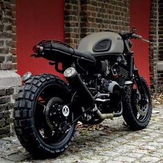 45 Best Ideas of Cafe Racer Motorcycle Designs - Awesome Indoor & Outdoor Cafe Racer Motorcycle, Motorcycle Style, Motorcycle Design, Motorcycle Garage, Monster Motorcycle, Enduro Motorcycle, Motorcycle Girls, Moto Scooter, Moto Bike