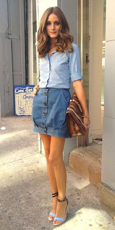 Medo de usar saia jeans? Gloria Kalil indica os melhores jeitos para combinar a peça | Chic - Gloria Kalil: Moda, Beleza, Cultura e Comportamento