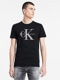 Dit t-shirt van Calvin Klein Jeans is van 100% katoen. Het is een regular  fit model met een logo op de borst. Calvin Klein…   Calvin Klein Jeans    Pinterest ...