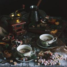 """Кофе... то напоминает дым костра, то удивляет фруктовыми нотами… on @the_feedfeed https://thefeedfeed.com/andrrresky/857212"