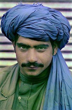 afghan turban bleu Jean d'Hugues