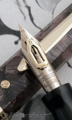 patented nib with adjustable flexibility: 1939 Wahl Eversharp, Doric Gold Seal in Lined Burgundy.