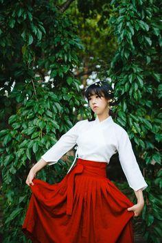 한복 Hanbok : Korean traditional clothes[dress] | #ModernHanbok Korean Traditional Dress, Traditional Fashion, Traditional Dresses, Dance Outfits, Dress Outfits, Dress Up, Korean Dress, Korean Outfits, Korea Fashion