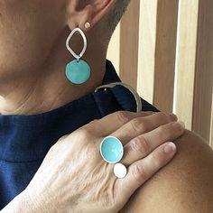 Aqua-blue-resin-jewellery Aqua Color, Aqua Blue, Silver Jewelry, Silver Rings, Resin Jewellery, Double Ring, Enamel Paint, Simple Designs, Bubbles