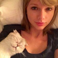 Flawless females. Via Taylor Swift/Instagram  http://petcha.com/pet_care/taylor-swift-selfie-cat-olivia-benson/?utm_source=greatergood&utm_medium=link&utm_campaign=Taylor_Swift
