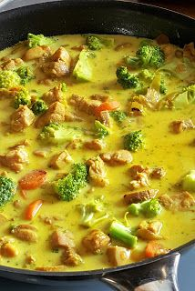 Vaříme bez tuku: Kuřecí kari se zeleninou B Food, Good Food, Yummy Food, Indian Food Recipes, Asian Recipes, Healthy Recipes, Asian Cooking, Cooking Light, Aesthetic Food