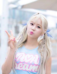 Imagen de girls, cream, and kpop