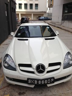 Cool Peugeot 2017 - My favourite Mercedes Benz in Clarke Quay Singapore. Peugeot, Mercedes Benz Slk 350, Wind In My Hair, My Ride, Hot Cars, Luxury Cars, Singapore, Jeep, Automobile