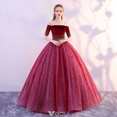 May 2020 - Elegant Burgundy Prom Dresses 2019 A-Line / Princess Off-The-Shoulder Suede Flower Pearl Lace Short Sleeve Backless Floor-Length / Long Formal Dresses Grad Dresses Short, Pink Prom Dresses, Cute Dresses, Beautiful Dresses, Formal Dresses, Princess Dresses, Disney Family, Skinny, Red Quinceanera Dresses