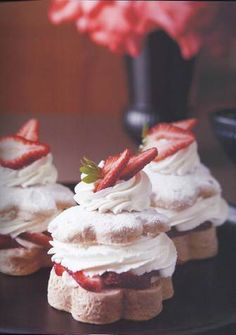 Strawberry Shortcakes..bkaing tin..