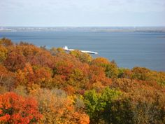 Grandview Drive in Peoria, Illinois -- the World's Most Beautiful Drive where the radio/TV station got it's name - WMBD.